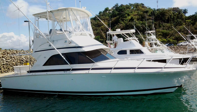 Luxury fishing boats quepos costa rica for Luxury fishing boats